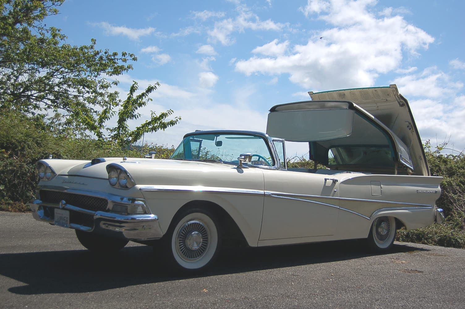 1958 Ford Fairlane Retractable Hardtop Photos And Specs From Madchrome Com